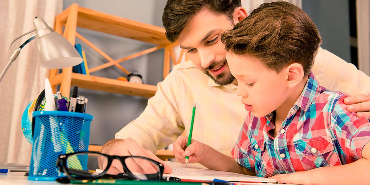 ¿Cuál es el rol de los padres en el proceso educativo?